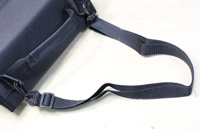 コピックウォレット72色用には肩掛けストラップが付属