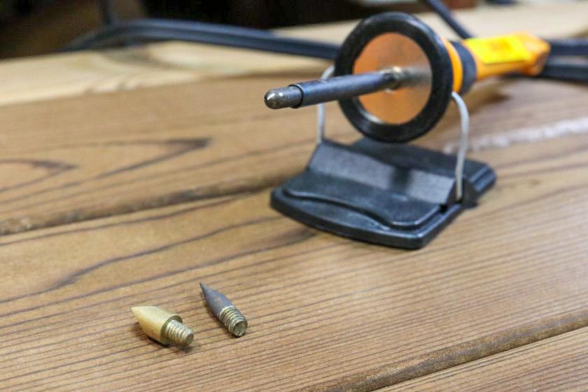 ペン先がねじ式の電熱ペン