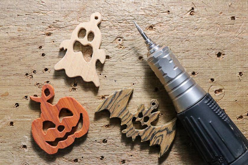 木製ハロウィンオーナメントをルーター(リューター)で面取り