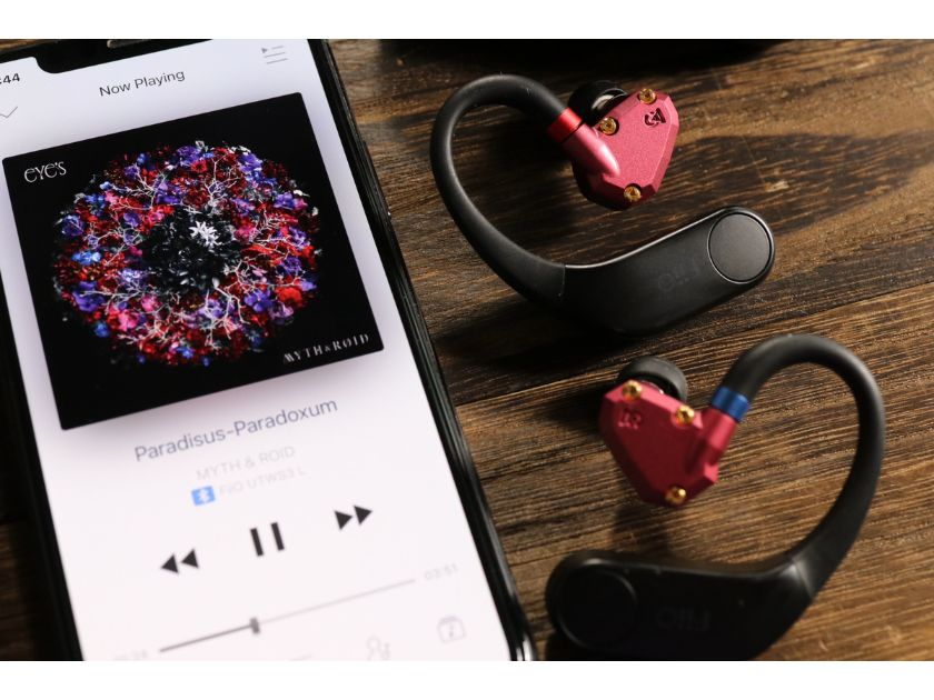 Campfire Audio IO と FiiOUTWS3MMCX